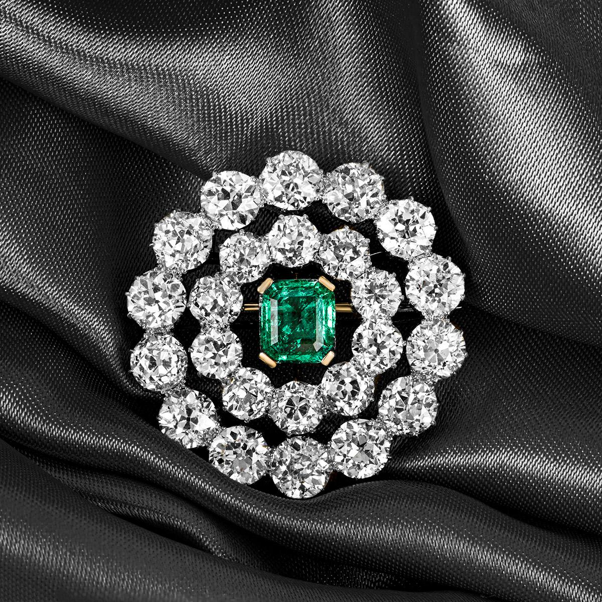 Early 20th Century Emerald and Diamond Brooch/Pendant